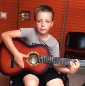 Святослав Федоров, 8 лет — «Сам я играю во все что покупаю»